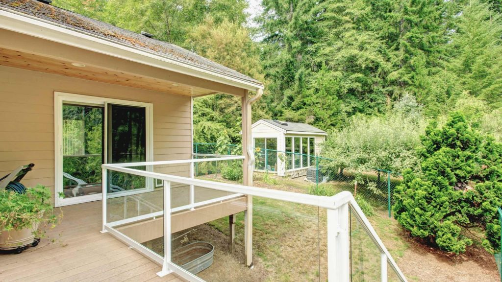 Glass Railings For Deck and Unobstructed Views