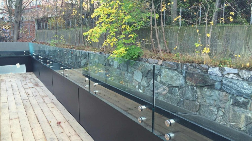 Glass Railings Without Much Fuss